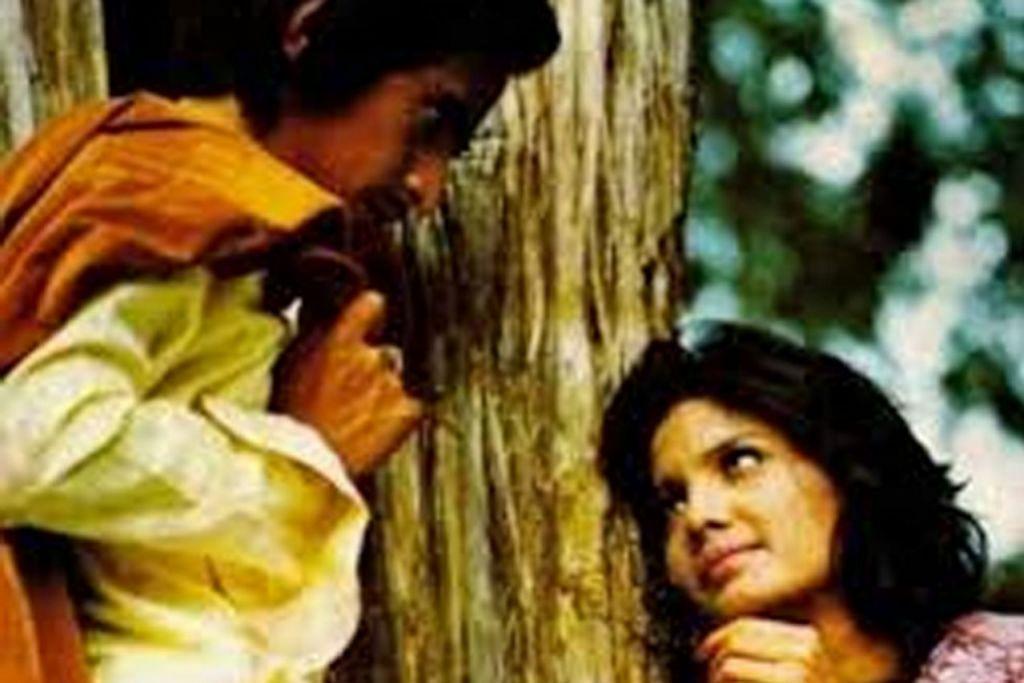 CINTA PERTAMA: Gandingan serasi Christine bersama Slamet Rahardjo dalam filem 'Cinta Pertama' mendapat pujian. - Foto REPUBLIKA