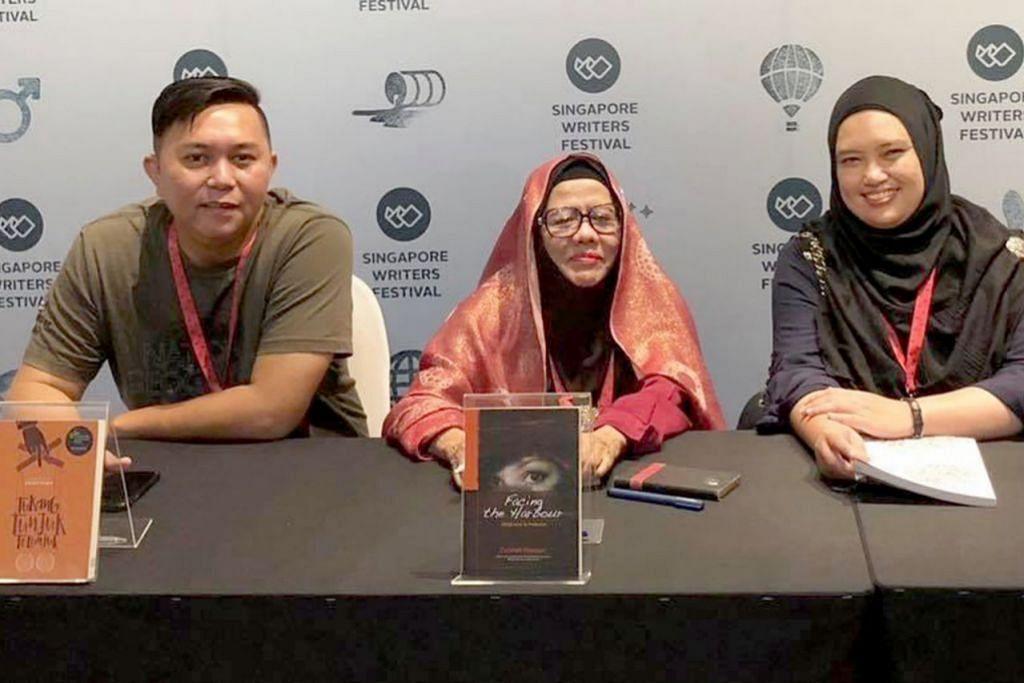 KONGSI PENGALAMAN: Encik Farihan (kiri) bergambar bersama sasterawan Malaysia, Dr Zurinah Hassan, dan Dr Noridah Kamari di Pesta Penulis Singapura (SWF) 2018. - Foto ihsan FARIHAN BAHRON