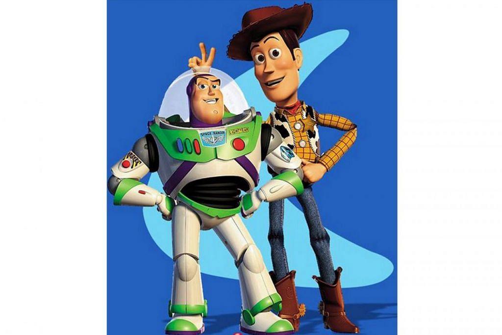 ACARA MUSIM CUTI: Watak Buzz Lightyear (kiri) dan Sheriff Woody (kanan) akan membuat kemunculan khas pada 15 dan 16 Jun pada waktu-waktu tertentu. - Foto PIXAR