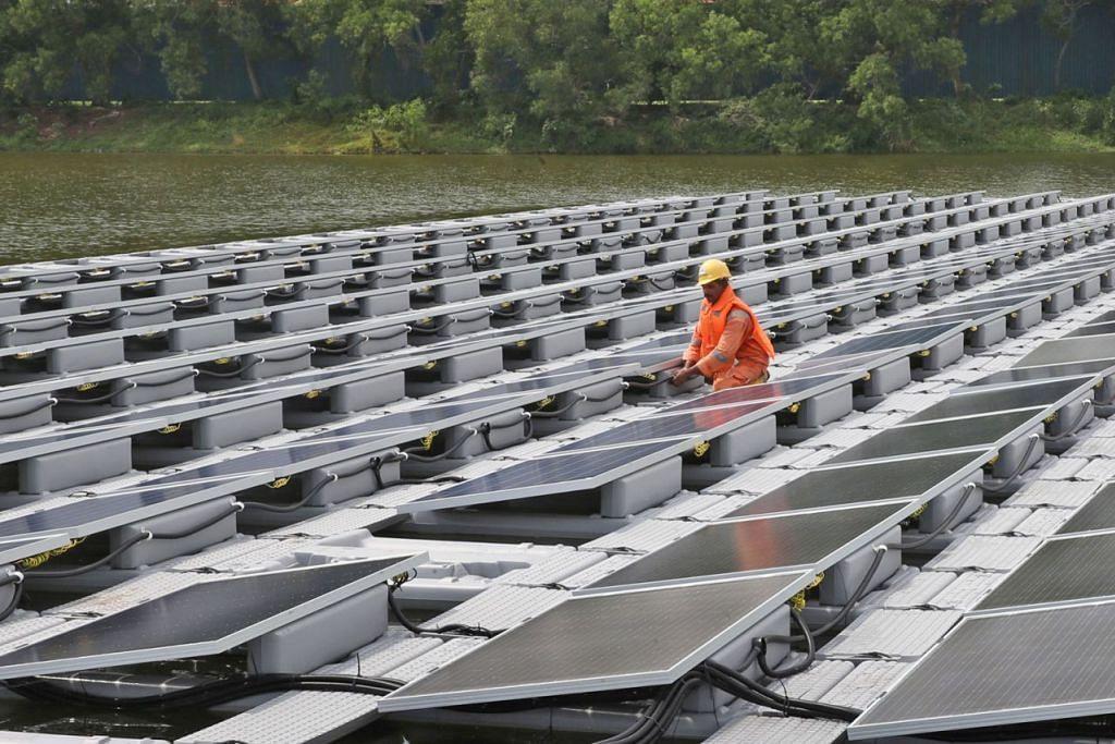 MULA DILAKSANA: Agensi air negara PUB merancang melaksanakan sistem solar photovoltaic (PV) di Takungan Tengeh menjelang 2021. - Foto fail