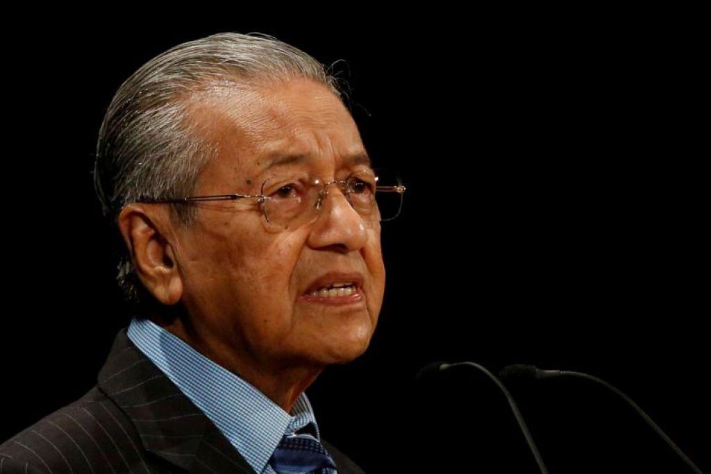 Perdana Menteri Malaysia Mahathir Mohamad membuat keputusan melantik Cik Latheefa Beebi Koya sebagai ketua SPRM tanpa berbincang dengan Kabinet. FOTO: REUTERS