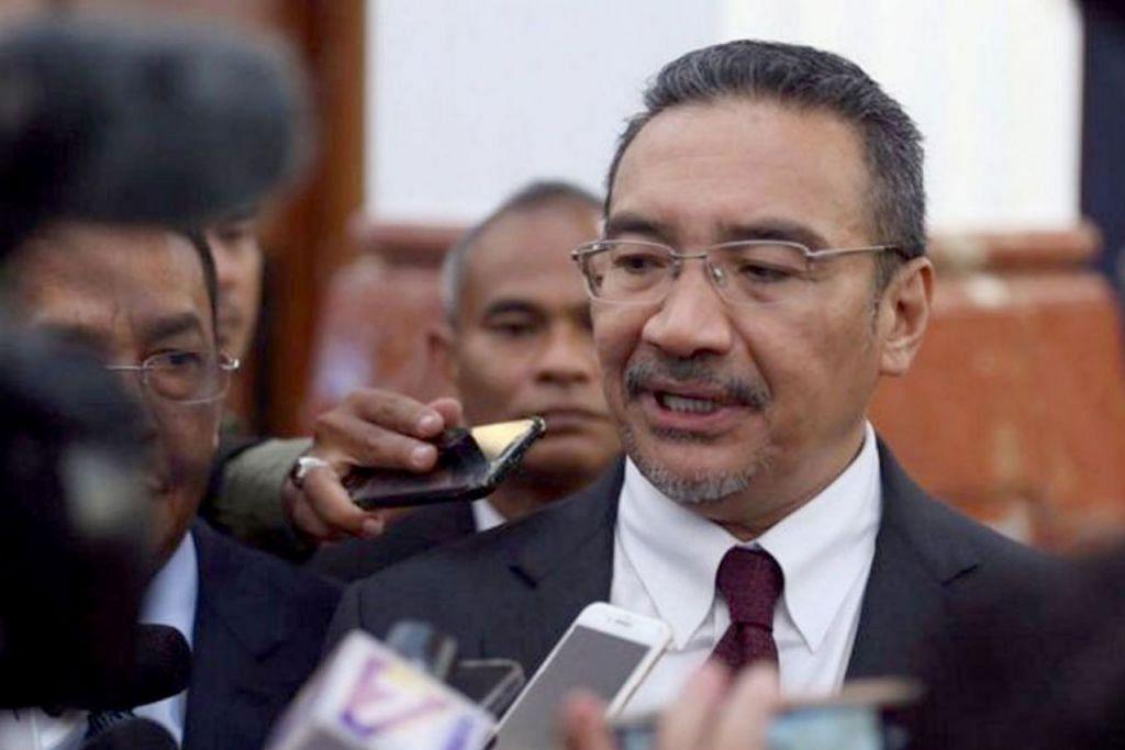 SEDIA BERI KERJASAMA: Mantan Menteri Pertahanan Malaysia, Hishammuddin Hussein, berkata tiada apa yang beliau sembunyikan. - Foto FACEBOOK HISHAMMUDDIN HUSSEIN