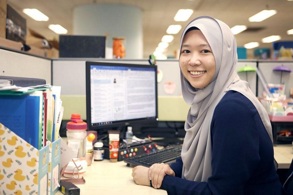 GEMAR KERJA MENCABAR: Cik Irna Jumahat mendapati tugasnya mencabar tetapi beliau berpuas hati dengan kerjayanya dan berharap akan terus pertingkat pencapaiannya. – Foto BM oleh ZHANG XUAN