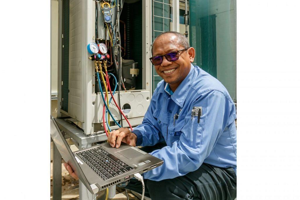 BANYAK LALUAN KEJAYAAN: Berbekal sijil ITE, Encik Muzaini Rapie, memahirkan diri di tempat kerja dan kini bertugas sebagai jurutera. – Foto fail