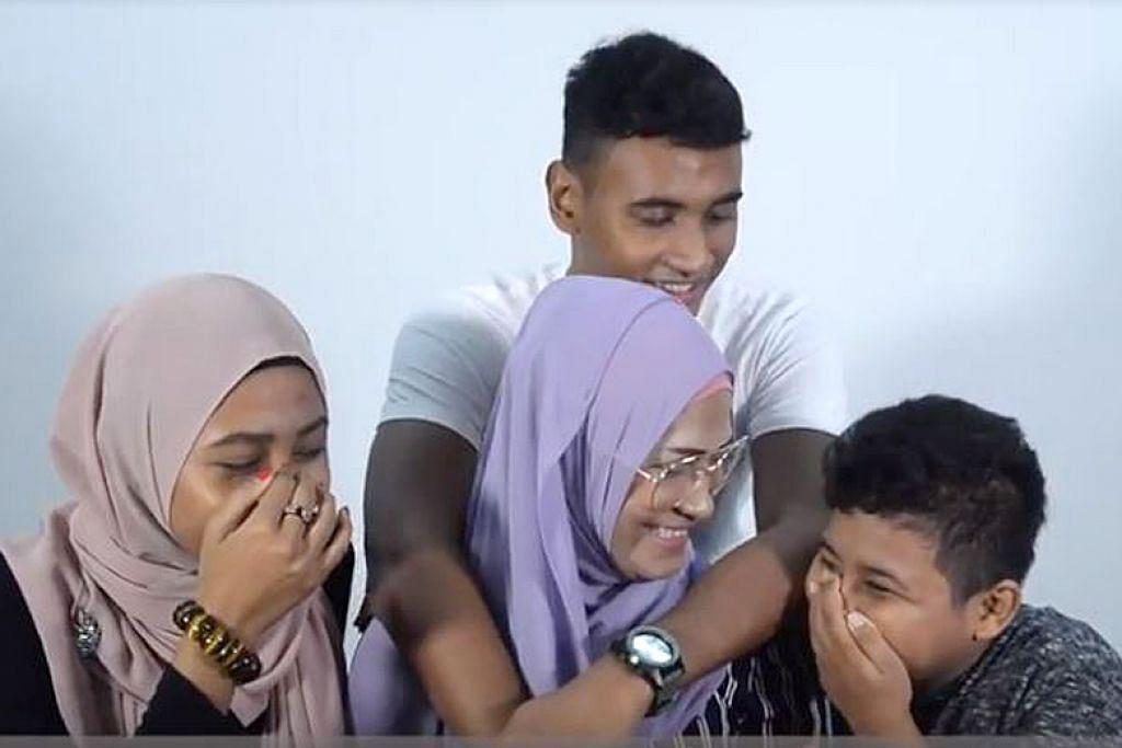 BALIK KE PANGKAL JALAN: Dua video terbitan Berita Harian dan CNB bertajuk 'Pengakuan Bekas Penagih Dadah' memaparkan kisah dua individu yang sudah cuci tangan daripada dadah. Cik Norli (tengah, bersama anak-anak) berkongsi bagaimana beliau ingin tebus kesilapannya terhadap anak-anaknya dan Encik Ramli menceritakan bagaimana ibu beliau menjadi sebab untuk beliau berubah. – Foto CNB