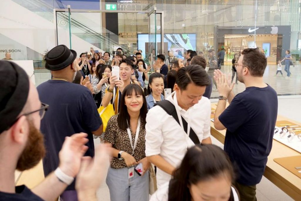 First Apple store inside an airport complex to open on Saturday at Jewel Changi Airport