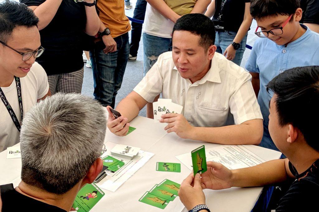 Sebar bahaya dadah dengan permainan kad