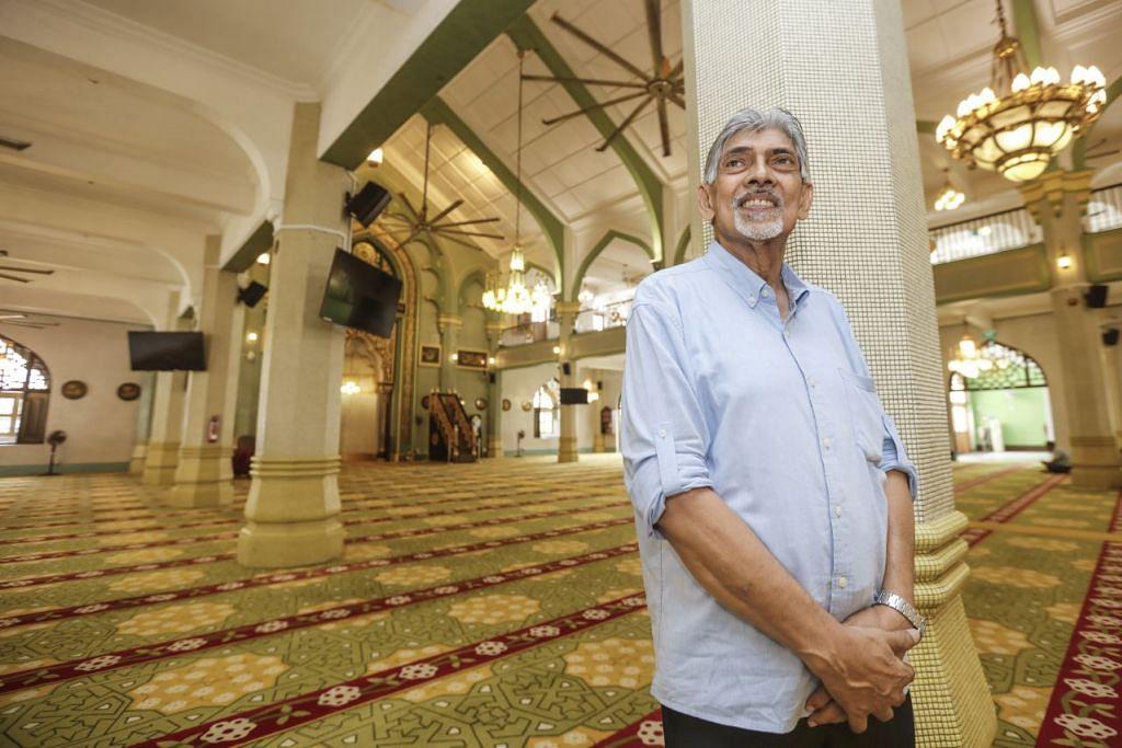 MASJID SULTAN IKON KAMPONG GLAM: Encik Mohamed Salleh mengatakan bahawa Masjid Sultan telah menjadi nadi masyarakat Melayu-Islam Singapura, terumatanya bagi penduduk di sekitar kawasan Kampong Glam sejak mula ditubuhkan pada 1824. – Foto BM oleh ZHANG XUAN