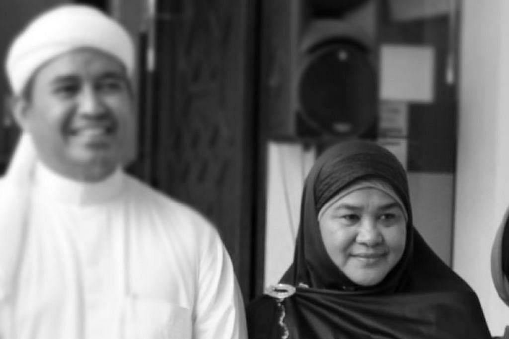 Ustaz TM Fouzy bersama Ustazah Latifah.