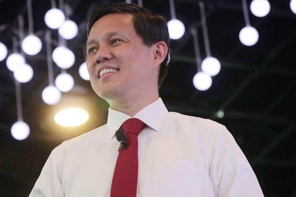ENCIK CHAN CHUN SING: Singapura akan terus memperkukuh kedudukannya sebagai pangkalan bakat yang selamat bagi rantau ini. - Foto fail