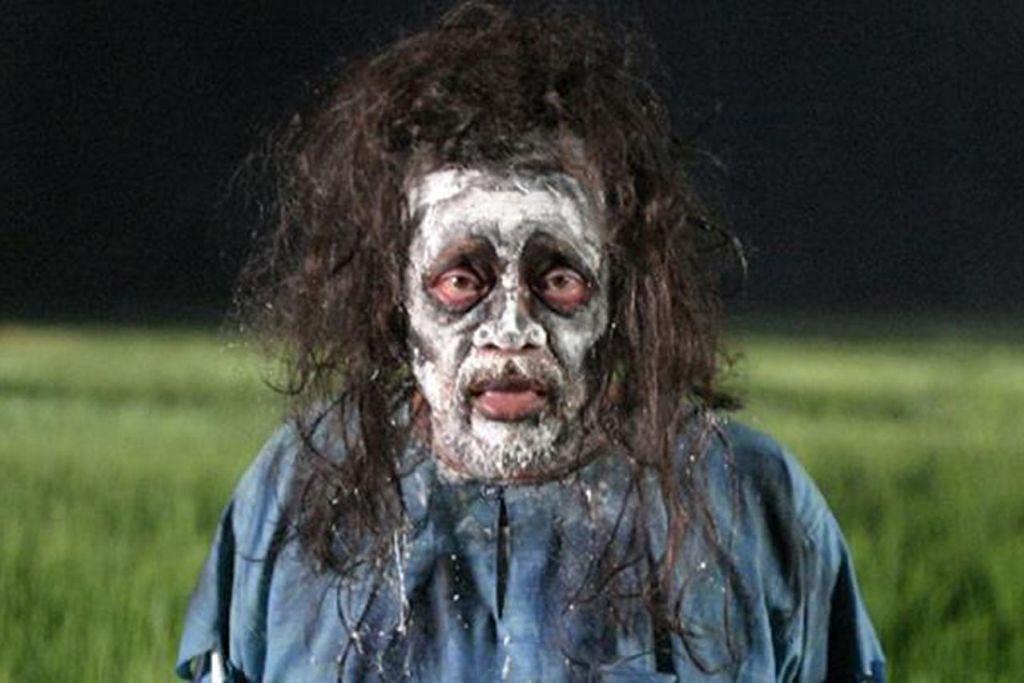 Sekilas pilihan kisah zombi - ZOMBI KAMPUNG PISANG (2007): Filem komedi seram Malaysia arahan Mamat Khalid. Kisah berlaku dalam tempoh satu malam apabila zombi menyerang sebuah kampung. - Foto TAYANGAN UNGGUL