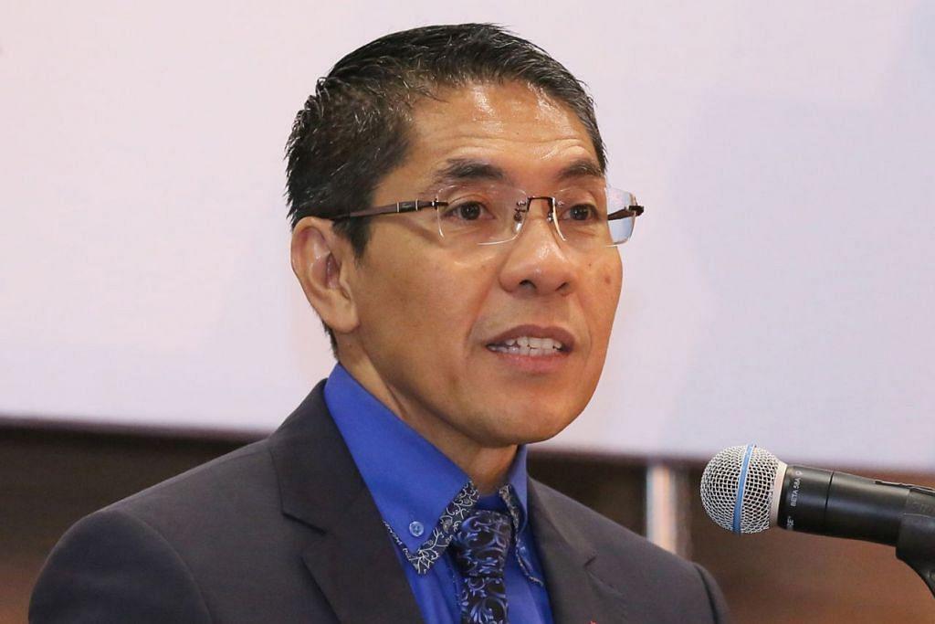 Menteri Negara Kanan (Ehwal Luar merangkap Pertahanan), Dr Mohamad Maliki Osman, ketika ditanya mengenai ucapan PM dalam Bahasa Melayu.