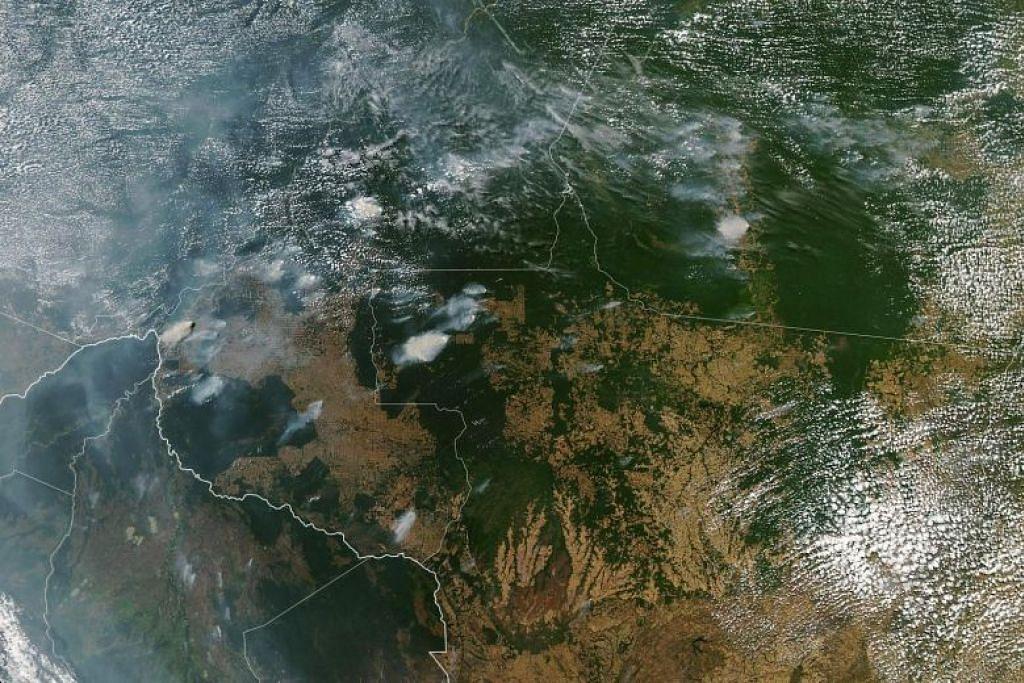 HUTAN HUJAN AMAZON TERBAKAR: Imej satelit telah mengesan 75,336 kebakaran di hutan hujan terbesar dunia itu pada 2019, iaitu peningkatan kira-kira 80 peratus daripada tempoh yang sama tahun lepas. -Foto AFP.