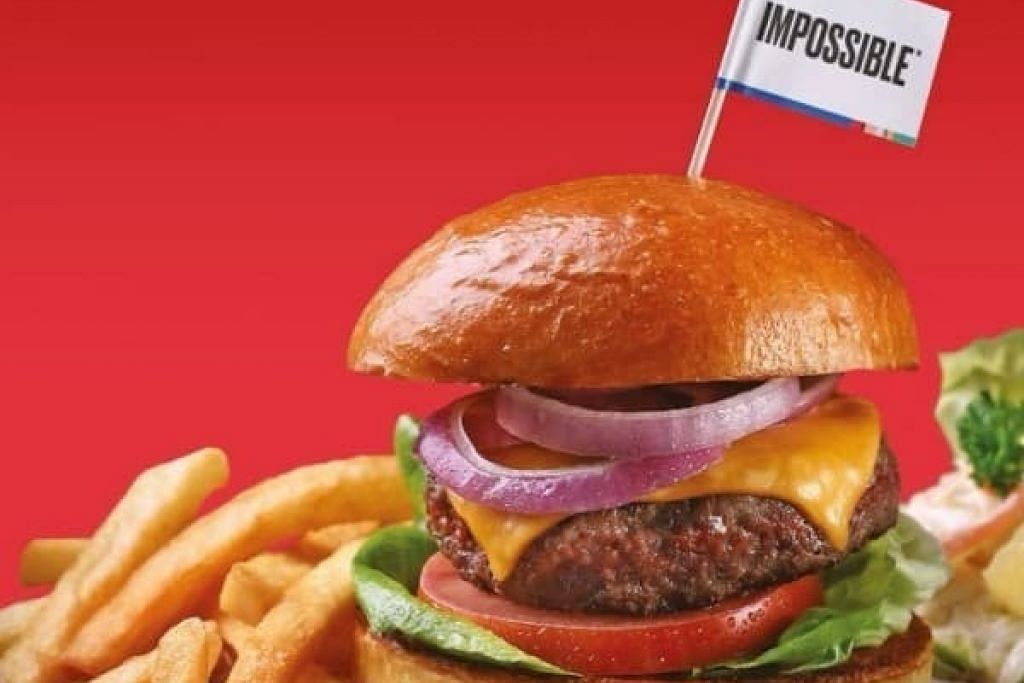 BURGER DIPERBUAT DARI BAHAN TUMBUHAN: Burger Impossible Swensen's disajikan dalam empat pilihan berbeza - Burger Impossible (Klasik), Rendang Impossible, Mushroom Impossible dan Garlic Aioli Impossible. -Foto SWENSEN'S SINGAPORE.