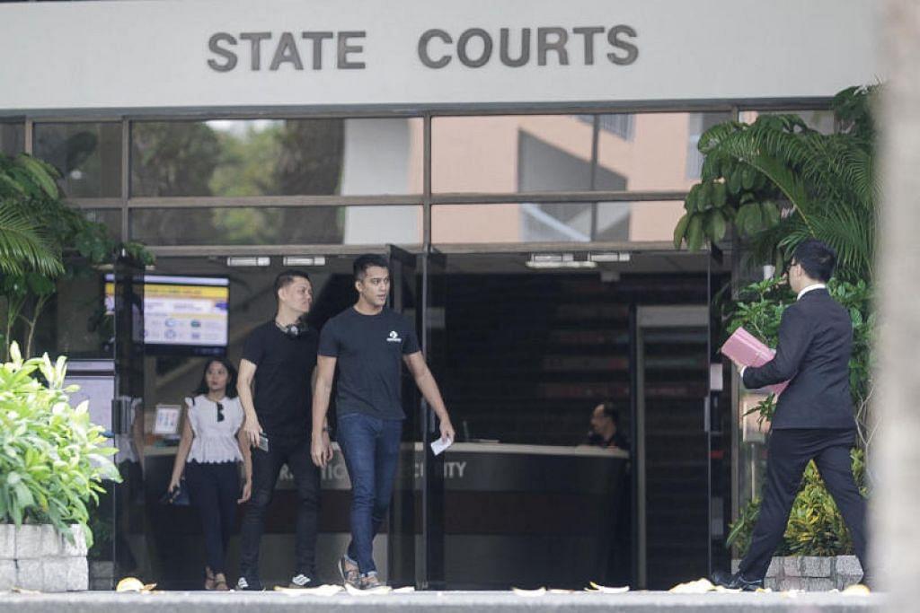 DIDAKWA DI MAHKAMAH: Aliff Aziz (kanan) yang menghadapi dua tuduhan mencuri didakwa di mahkamah. Dia hadir di mahkamah semalam bersama temannya.- Foto BH oleh IQBAL FAIZAL