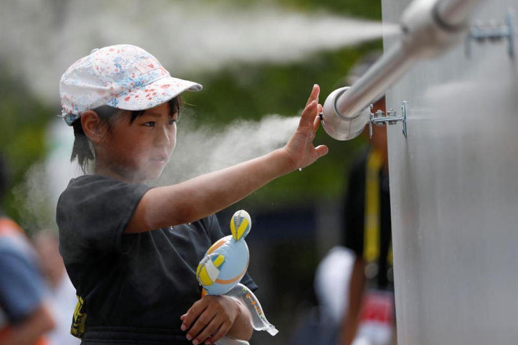 SATU TAN SALJI SEHARI: NHK berkata ujian itu akan menggunakan mesin salji kecil untuk mendinginkan sekitaran Sukan Olimpik di Tokyo ketika musim panas. -Foto: AFP