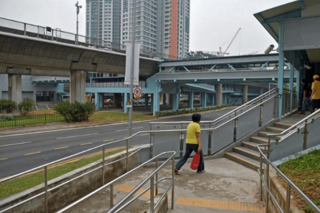 LEBIH MEMUDAHKAN: LTA berkata pembinaan lif akan membantu pejalan kaki, terutama warga tua dan warga berkeperluan khas menuju ke destinasi mereka dengan lebih senang dan selesa. - Foto fail