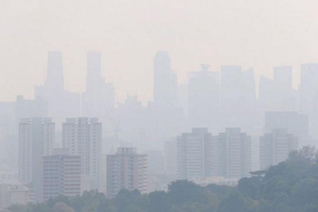 Pemandangan kawasan selatan Singapura pada 9.30 pagi Sabtu, 21 September. -Foto fail.