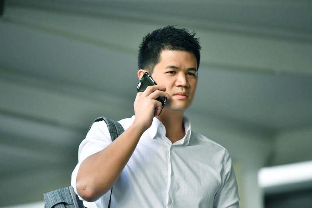 HALANG LALUAN TRAFIK: Eric Cheung Hoyu (dalam gambar) didenda $2,800 atas dua tuduhan, kerana bertindak tanpa bertanggungjawab, dan telah menghalang aliran trafik dengan menunggang basikalnya di tengah-tengah jalan. - Foto BH oleh LIM YAO HUI.