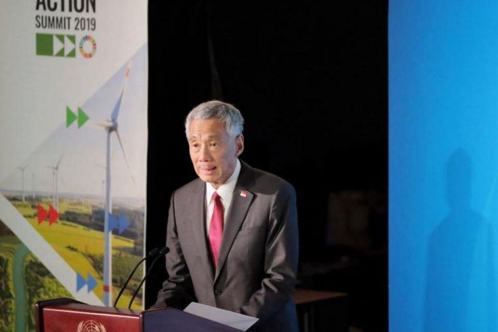 Perdana Menteri Singapura Encik Lee Hsien Loong memberi ucapan di sidang Puncak Tindakan Iklim di ibu pejabat Pertubuhan Bangsa-bangsa Bersatu (PBB) di New York pada 23 September. - Foto ST oleh GAVIN FOO