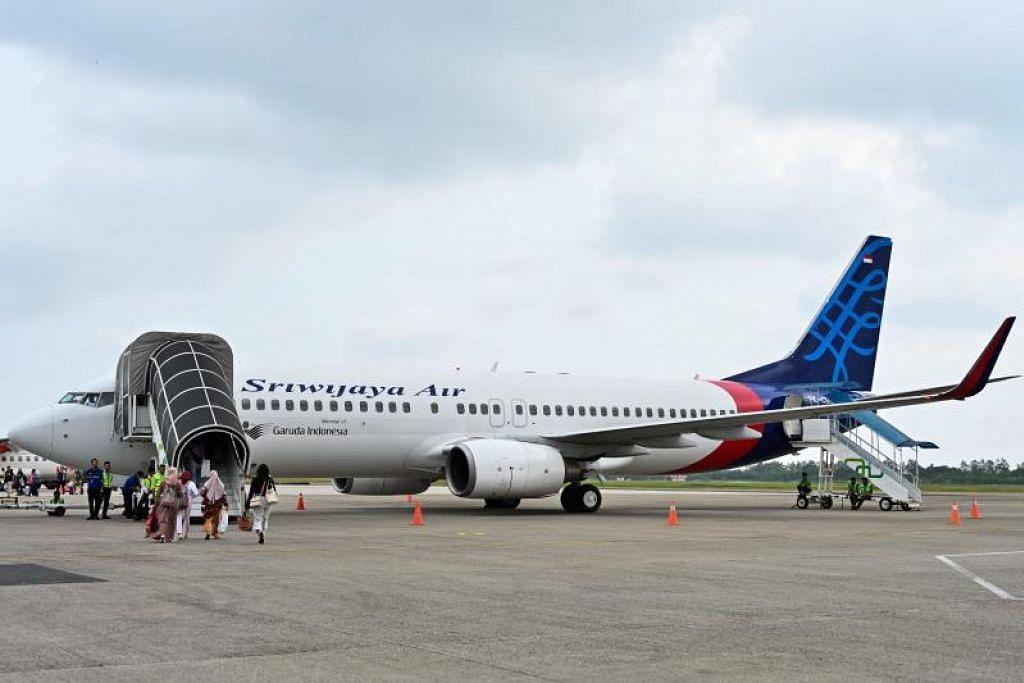 Hanya 12 pesawat Sriwijaya layak untuk membuat penerbangan manakala 18 lagi terkandas disebabkan kekurangan kakitangan dan barang ganti bagi melakukan kerja penyengaraan.