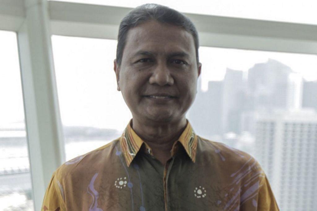 PEMENANG MALAYSIA: Encik Ahmad Nazri Abdullah 58 tahun Pensyarah di Pusat Bahasa Antarabangsa, Universiti Malaysia Perlis. Lebih daripada 50 artikel jurnal dan kertas seminar, dan dua buku ilmiah telah diterbitkan dan dibentangkan.