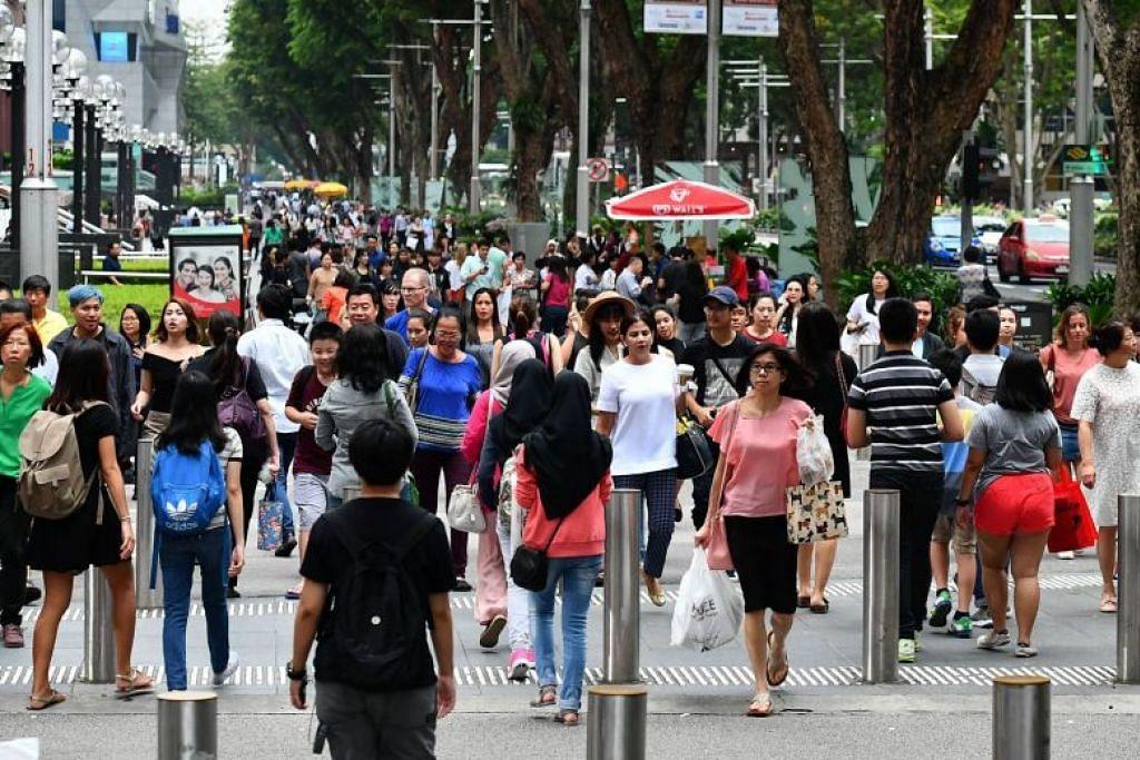 Semasa Belanjawan 2019, pemerintah mengumumkan Bonus Bicentennial $1.1 bilion untuk memperingati Bicentennial Singapura dan menyokong individu yang memerlukan bantuan. - Foto fail