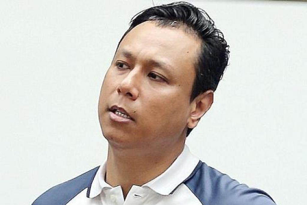 HUKUMAN PENJARA: Muhammad Fuad Kamroden dijatuhkan hukuman penjara dan ditarik balik lesen memandunya semalam setelah dia mengamuk di jalan raya. -Foto BH oleh WONG KWAI CHOW.