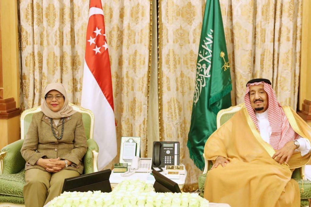 PENGIKTIRAFAN TERTINGGI: Presiden Halimah Yacob menemui Raja Salman Abdulaziz Al Saud, di Istana Al Yamamah di Riyadh pada 6 November 2019. Puan Halimah turut menerima Darjah Utama Abdulaziz Saud daripada Raja itu.