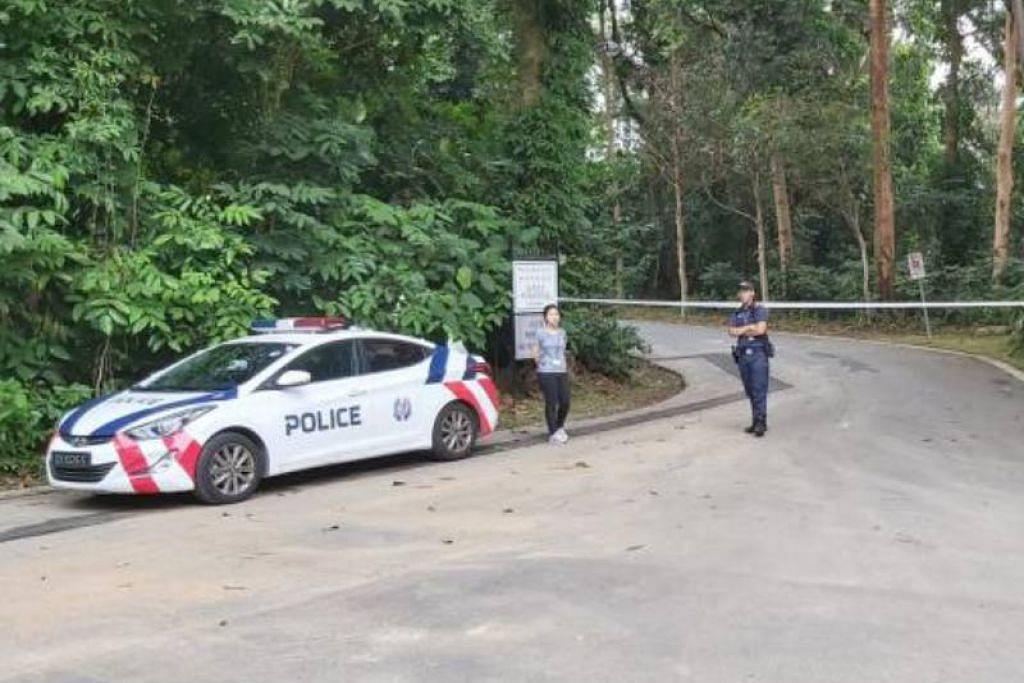 Mayat ibu dan anak dijumpai di 21 Lorong Sesuai, dipercayai kawasan larangan. - Foto LIANHE ZAOBAO