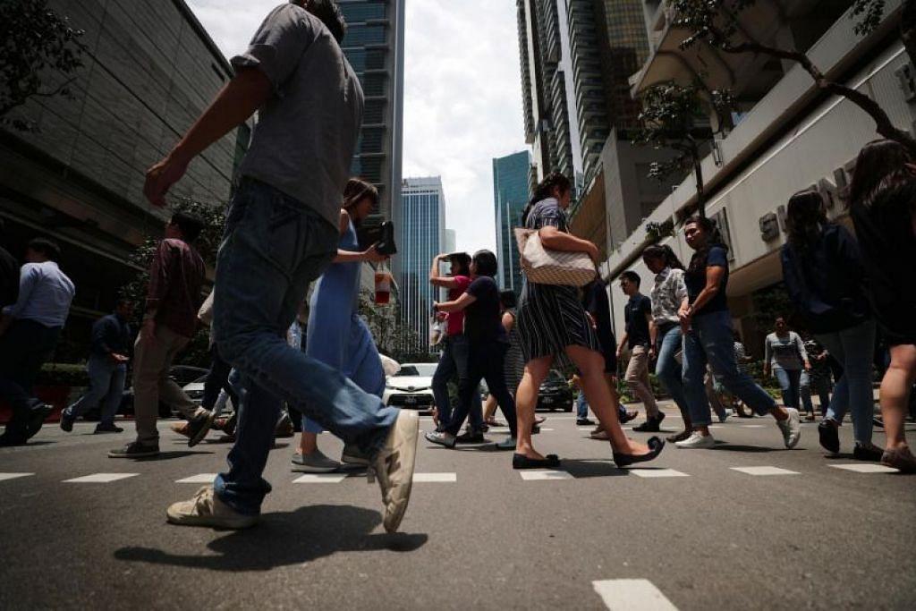 Ekonomi Singapura menunjukkan pemulihan bagi suku ketiga tahun ini berbanding tempoh yang sama tahun lalu. - Foto fail