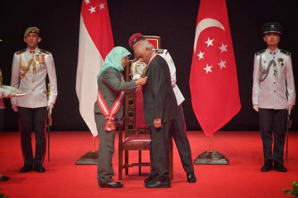 Encik J.Y. Pillay diberikan Order of Temasek (Dengan Kepujian). FOTO: ARIFFIN JAMAR