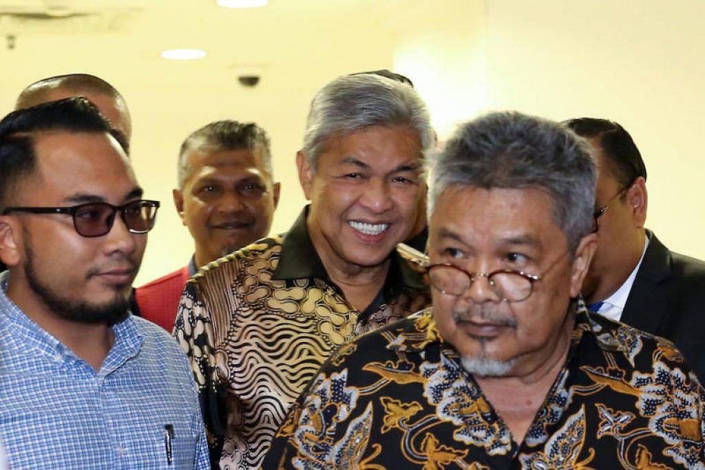 Bekas Timbalan Perdana Menteri Malaysia, Datuk Seri Dr Ahmad Zahid Hamidi (tengah). FOTO: MALAYMAIL