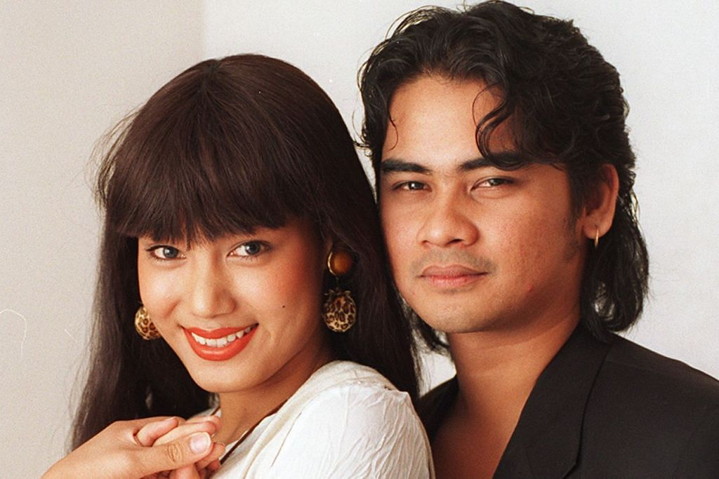 'ROMEO DAN JULIET' MELAYU: Fenomena cinta Erra Fazira dan Awie membuatkan kisah percintaan dan putus tunang mereka menjadi bahan laris di media massa sekitar tahun 1990-an menyusuli meletupnya filem yang dijayakan, 'Sembilu'. - Foto fail