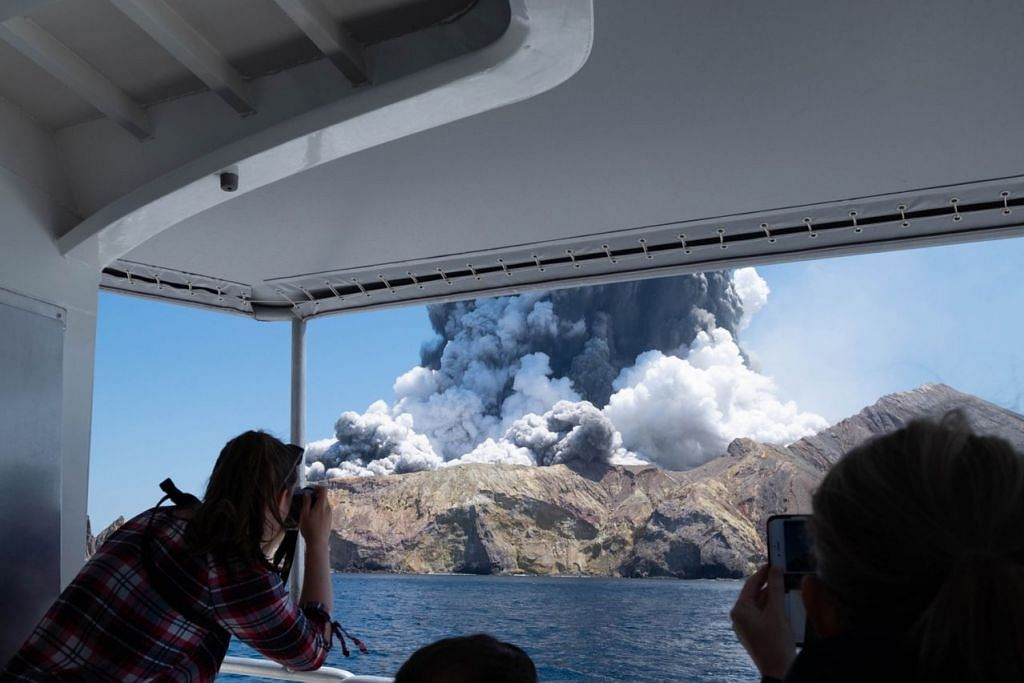 SATU LAGI TRAGEDI DI NEW ZEALAND: Sebuah gunung berapi meletus dekat pantai North Island, mengorbankan 18 orang. – Foto fail