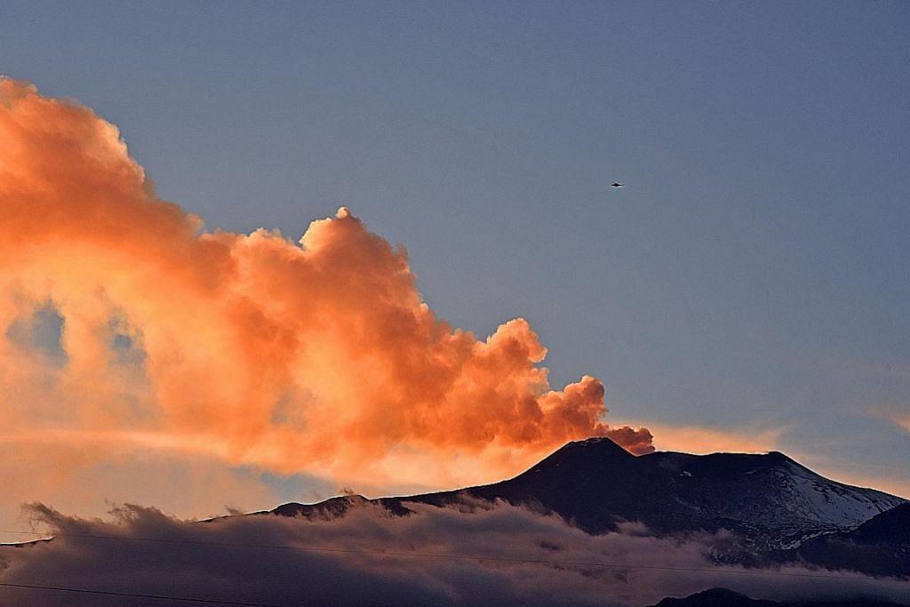 Aksi ledakan gunung berapi kian jadi tarikan pelancong