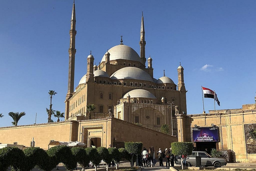 KEMBARA WARNA-WARNI daya tarikan di bumi MESIR