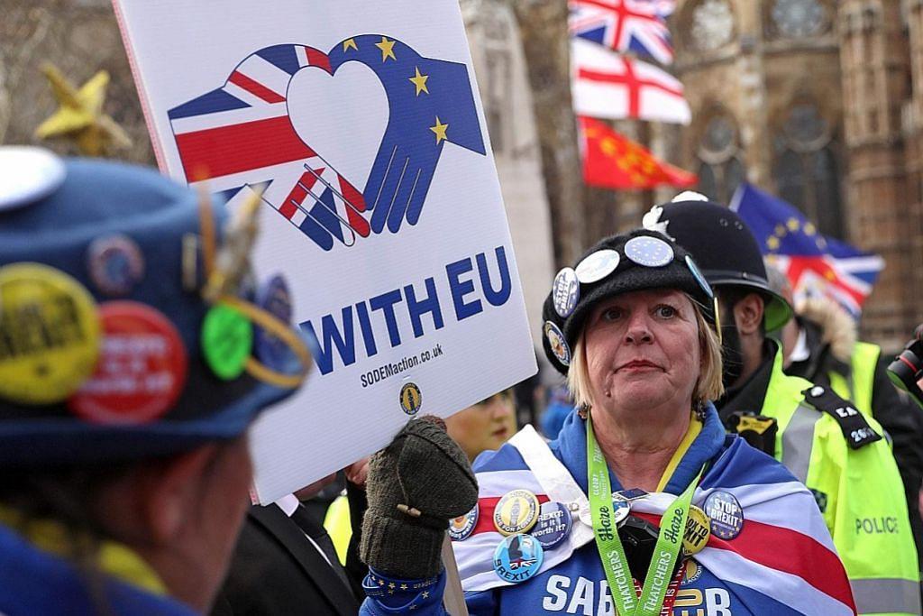 ISU BREXIT 40 bekas duta besar gesa May kekalkan Britain dalam EU