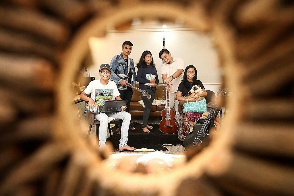 Keluarga pemuzik serba boleh