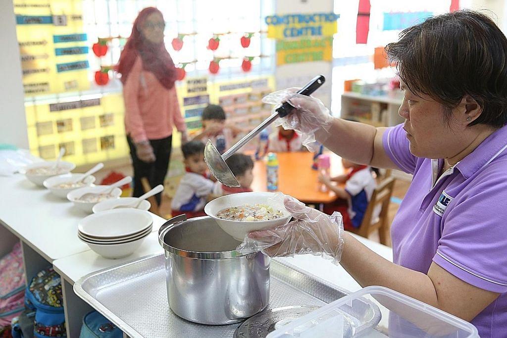 PCF: Pakej gaji, insentif akan disemak bagi tarik tukang masak di prasekolah