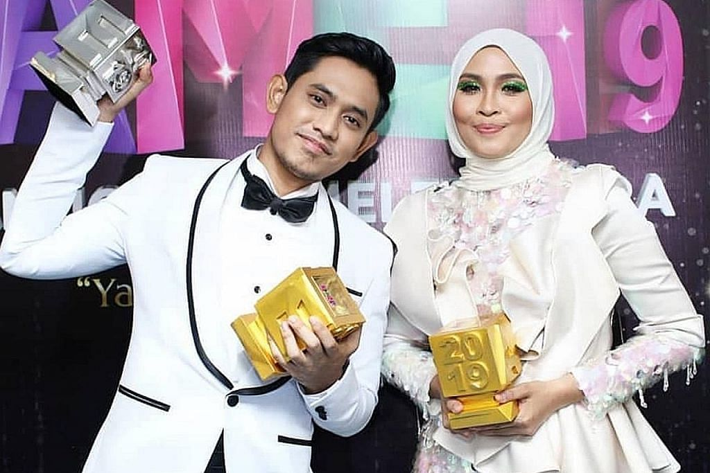 Sanjungan peminat Nana dan Khai bawa pada 'Anugerah Artis Top Top MeleTOP'