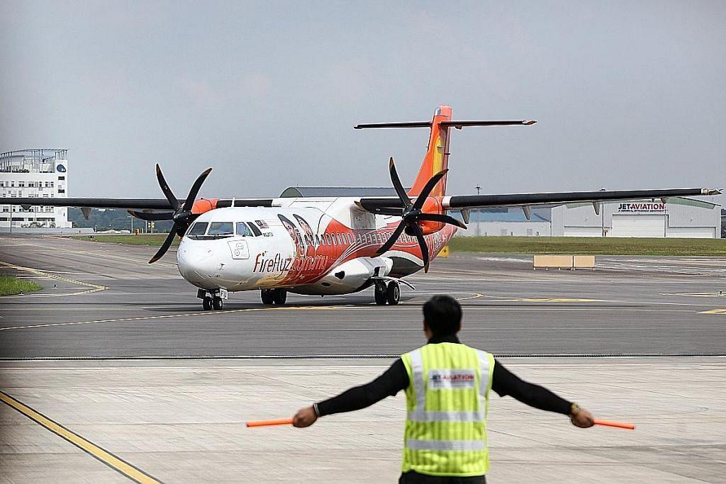 Pesawat Firefly batal darat di Seletar ekoran cuaca buruk