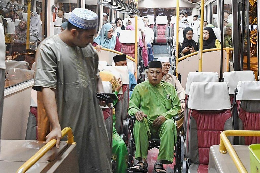 Dapat peluang ke masjid melalui bas mesra kerusi roda