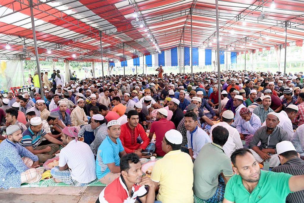 Majlis berbuka terbesar bersama 2,500 pekerja asing