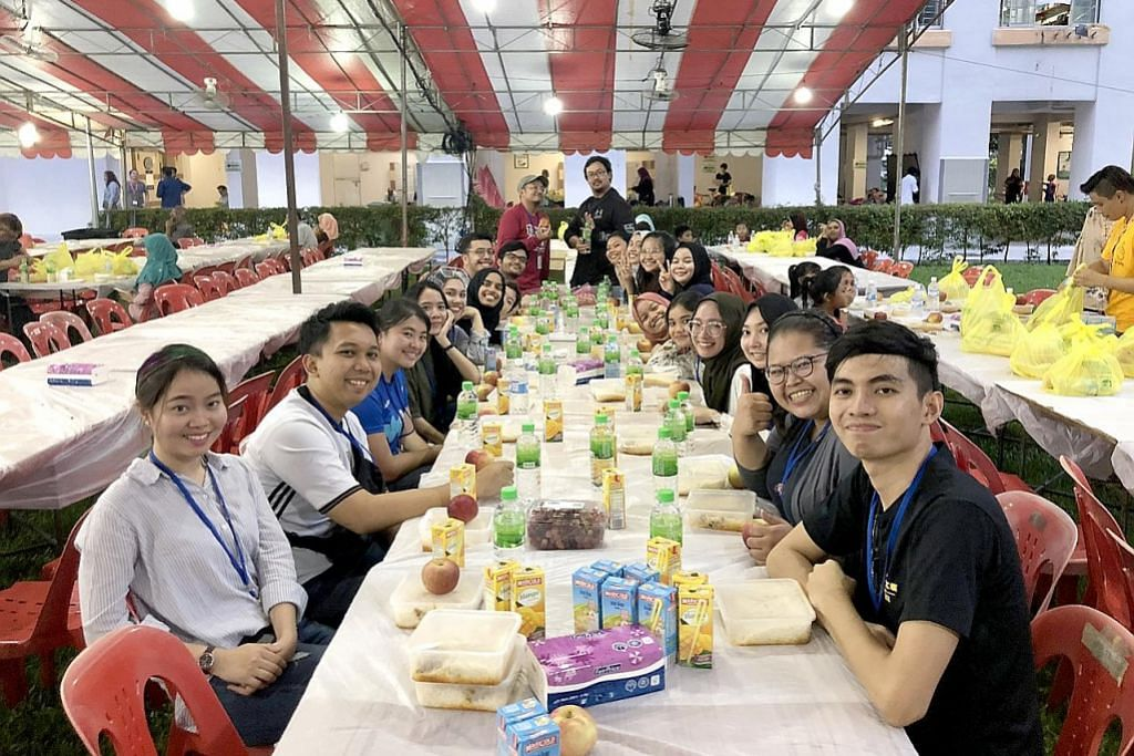 Mahasiswa gabung bantu golongan susah