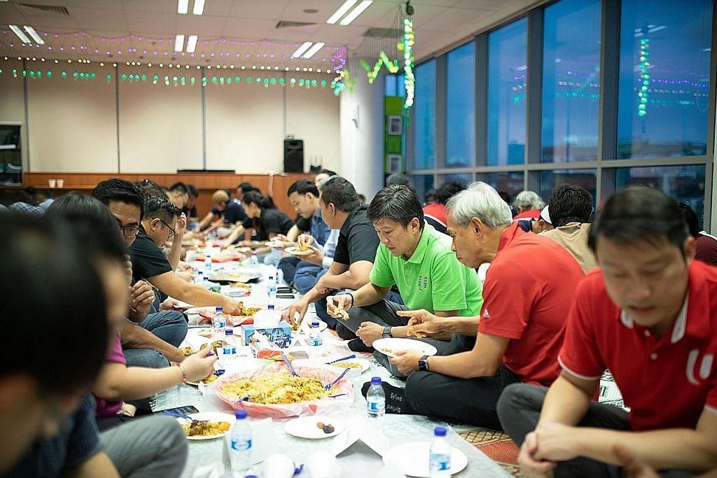 Dekati pekerja semasa Ramadan