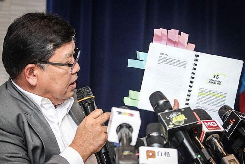 Anwar dakwa diugut bayar lebih $130,000 jika enggan buku terbit