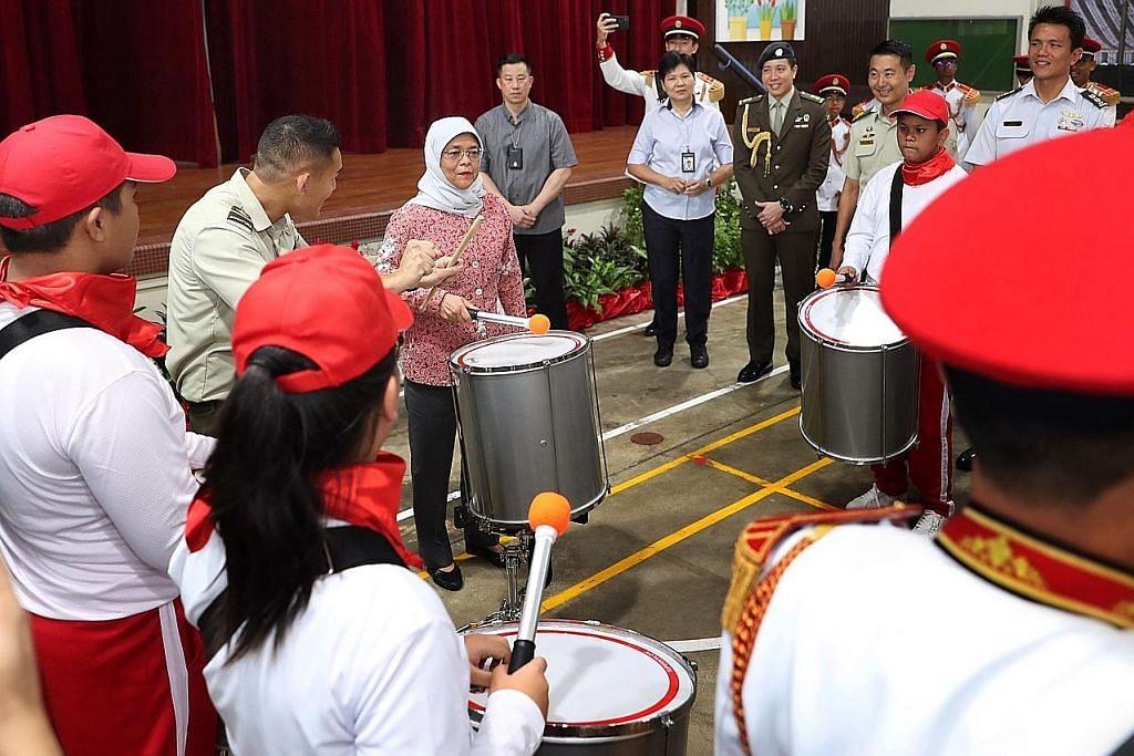 Presiden Halimah temui peserta khas genderang NDP