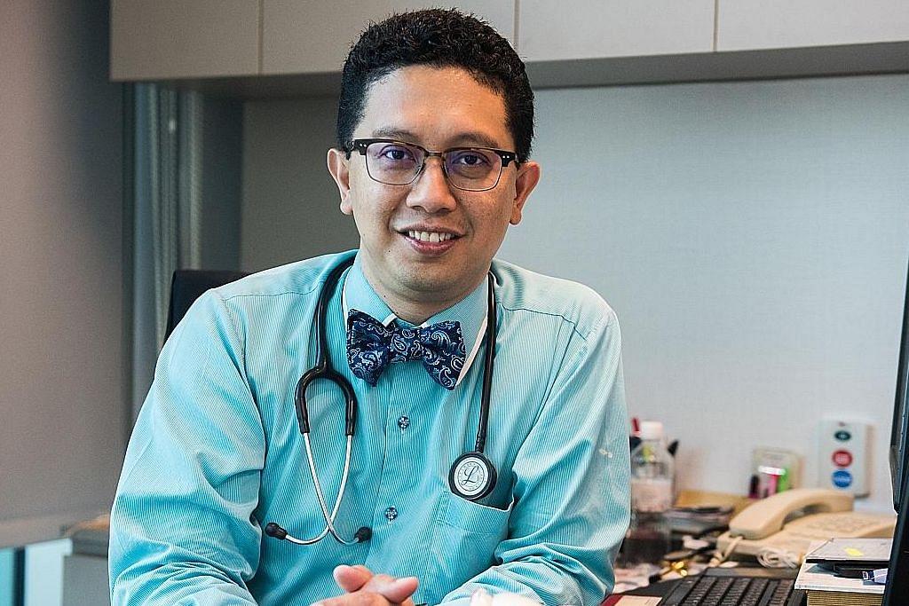 Profesor Madya (Dr) Abdul Razakjr Omar, Timbalan Pengarah Perubatan dan pakar jantung Hospital Raffles, yang juga pemimpin akar umbi di Teck Ghee, Ang Mo Kio.