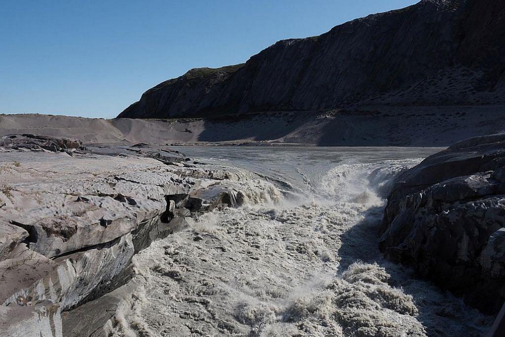12 bilion tan ais di Greenland mencair dalam 24 jam
